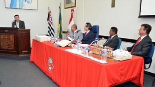 Câmara Municipal homenageia o Presidente do SEAAC