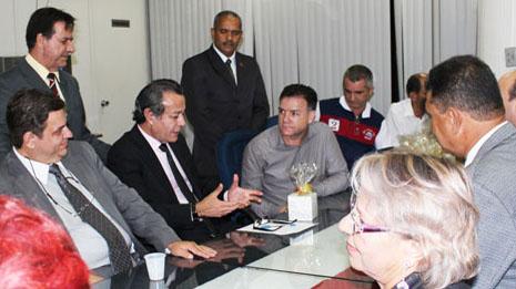 Conselho Intersindical homenageia Vereadores