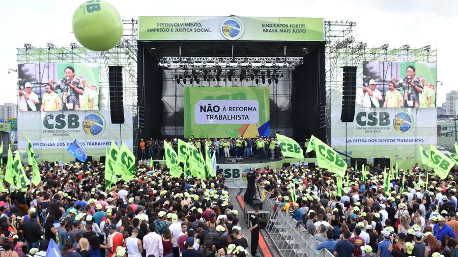 ASSOCIADOS PARTICIPAM DE 1º DE MAIO EM SÃO PAULO